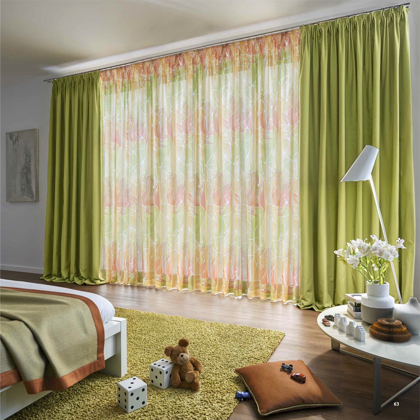 Jab farbenfroher Vorhang